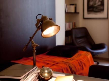 Lampe-de-bureau-au-style-industriel-Psychologue-thumb-1583-630-473